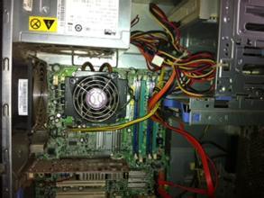 为什么电脑开机时声音很大